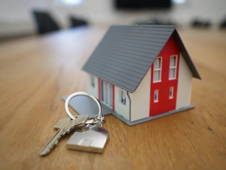 Vols comprar o vendre un pis?